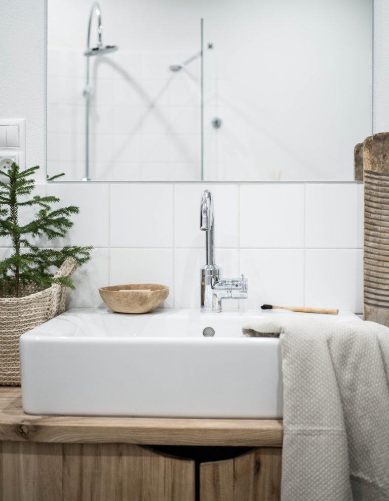 masívne drevo v kúpeľni
